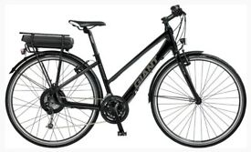 GIANT ESCAPE 24 Gears Eco, Regular & Sport Modes. Upgraded Forks & Pedals. only 740 miles use.