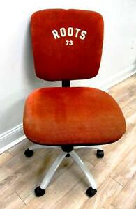 Vintage Roots 73 Steno Chair