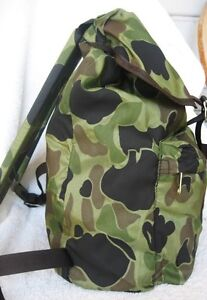 CAMOUFLAGE...DRAWSTRING...CAMPING...SPORT...HIKING...BACKPACK..U.S.A...NEW...VTG