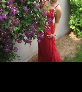 Robe rouge de soirée ou de bal