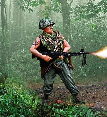 COLLECTORS SHOWCASE VIETNAM WAR CS00952 U.S. MARINE M60 MACHINE GUNNER MIB