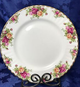 Looking for Old Country Roses Dinner Plates