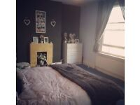 Large double room available in flat-share in Camberwell - SE5 - Zone 2