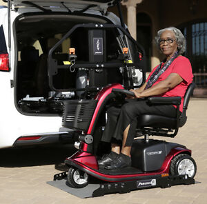 electric lift for mobilite scooter or wheelchair