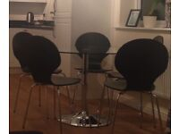 Round dining table & 6 chairs