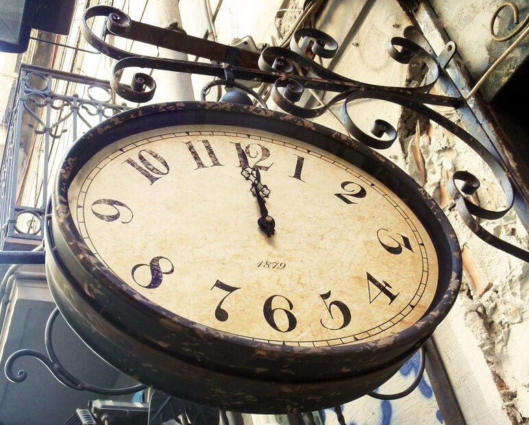 Railway station wall clock buying guide ebay for Train station style wall clock