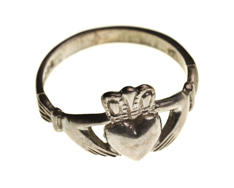 Your Guide to Buying a Vintage Claddagh Ring