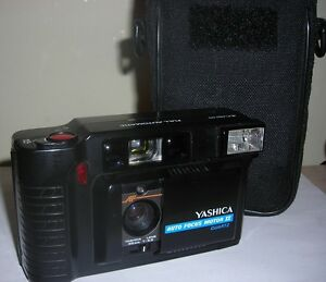 Vintage YASHICA AUTO FOCUS MOTOR II Quartz 35mm Camera