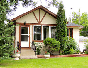 Nice bungalow with Finished basement in St Vital!!