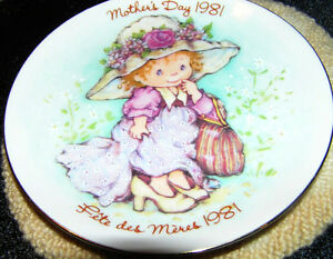 Avon Collectible 1981 Mother's Day Plate