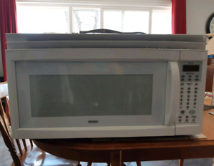 Kenmore Over-the- Range Microwave!!