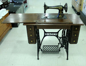 Antique Singer Sewing Machine @ Habitat ReStore Cobourg
