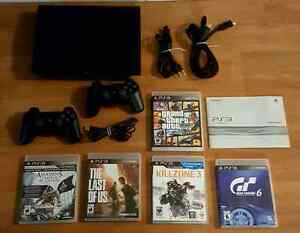 PLAYSTATION 3 SLIM 500 GIG PACKAGE / ENSEMBLE