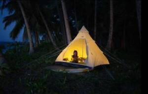 TEEPEE  - OUTDOOR CAMPING 4 PERSON - Brand New!