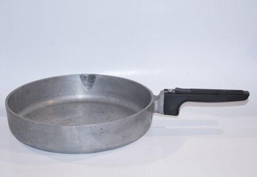 """Vintage Magnalite 10"""" Dual Spout Frying Pan GHC Cast Aluminum USA"""