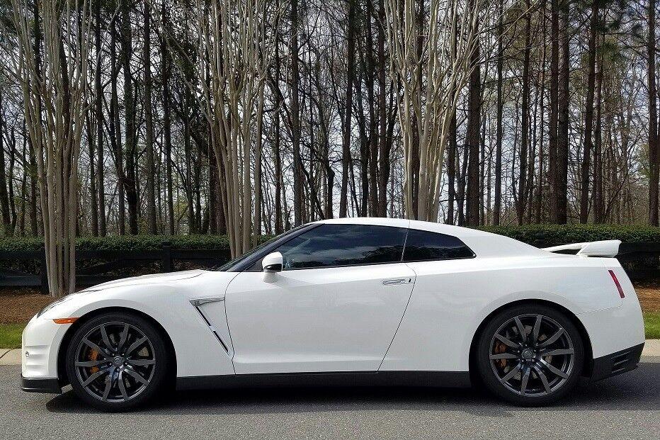2015 Nissan GT-R Premium 2015 Nissan GTR R35 - 10k Miles - $7k in MODS - 2nd Owner - Clean Title in Hand