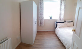 in zone 1 sunny, beautiful double room. Haggerston/Hoxton/Old street/Angel stations