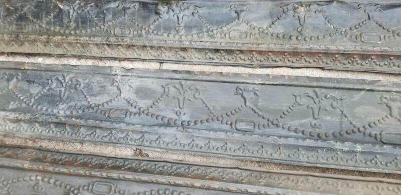 """LOT OF 5 MATCHING PIECES 71"""" x 12"""" ANTIQUE CEILING TIN CROWN MOLDING !   D"""