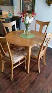 Dining room set solid oak (MOBI-ART)