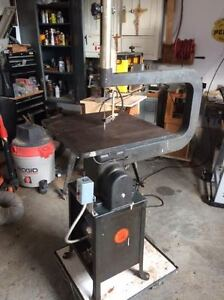 "24"" Industrial Scroll Saw with six new blades"