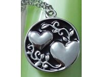LOVELY 'SISTER' HEARTFELT SENTIMENT NECKLACE ~ ONLY £1.00
