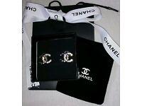 Beautifful Chanel sparkling silver earrings