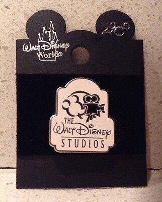 The Walt Disney Studios Pin Mickey Mouse with Movie Camera NEW Walt Disney World