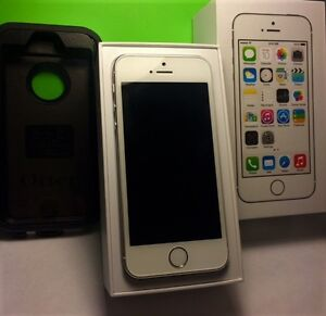 Mint condition iPhone 5S 16GB, w/FREE Otter Case ($50.00 Value!)