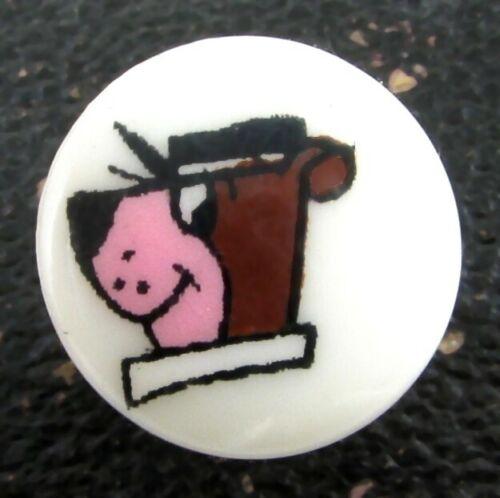 Vintage Plastic Yogi Bear Button, Hanna-Barbera Cartoon Character