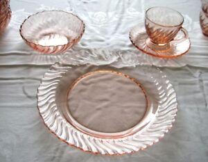 Vaisselle antique rose (depression glass)