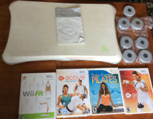 Wii Fitness Bundle   Wii Fit Balance Board + Silicon Cover + 3 G