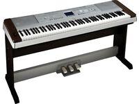 nice piano full size 88 keys Yamaha dgx 530