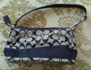 Coach Signature Jacquard Shoulder Bag - $50 (Richmond B.C.)
