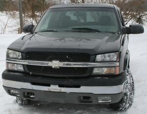 2003 Chevy Truck 1500HD 4X4 For Parts