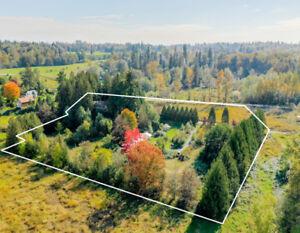 FOR SALE! $1,595,000 House & Acreage 7.85 Acres Farm