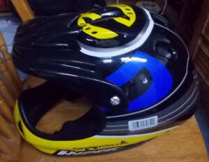 casque pour velo bike helmet -  taille S/M - prix 12$