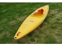 Kayak/canoe with paddle and spray deck