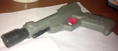 Astronaut ACCESSORY WEAPON Gray Laser Gun projectile weapon from the 80's - Accessories From The 80s
