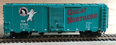 HO InterMountain Great Northern Rocky 12 Panel Box Car Great Northern Boxcar
