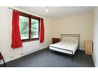 Spacious, Close 2 University & SportsVillage, Good for 1 person/sharing, Large Bedroom, Large Lounge