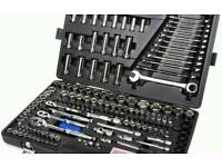 Bargain brand new halfords 200 piece socket and wrench and spanner set