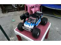 Rc nitro cen buggy almost lyk new only out 3-4 times £130