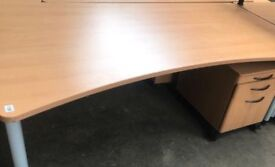 1800mm Mid Curved Desk