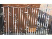 Garden / driveway gates