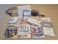Nintendo Wii - 7 Games, 2 Controllers with Motion Plus