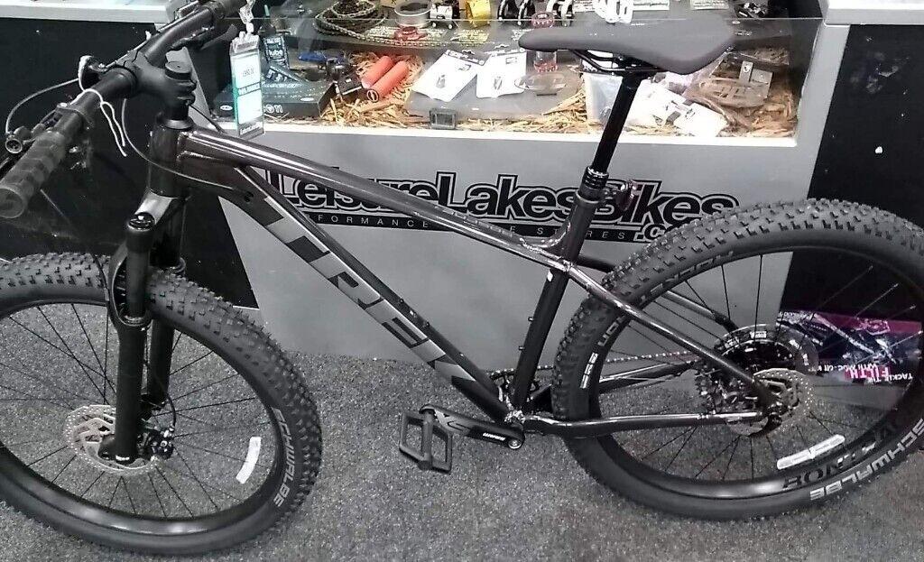 Trek Roscoe 7 27 5 Mountain Bike 2020 Brand New In Bury