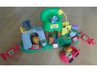 Fisher-Price Little People Animal Sounds Zoo