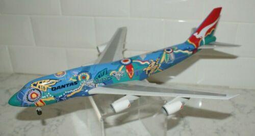 Qantas Airlines Boeing 747-338  Nalanj Dreaming Airplane 1/200  VH-EBU with Gear
