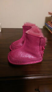 UGG boots, pink, size S (6-12 months)