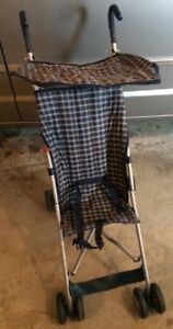 FOLDING STROLLER WITH SHADE COVER